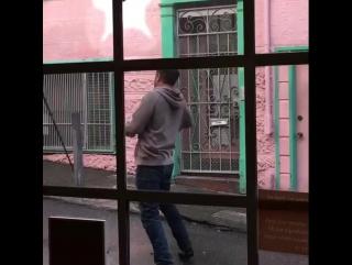Том Харди на съемках «Венома»