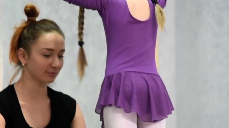 Ольга Смолова на занятиях хореографией