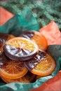 Карамелизованные апельсины в шоколаде.