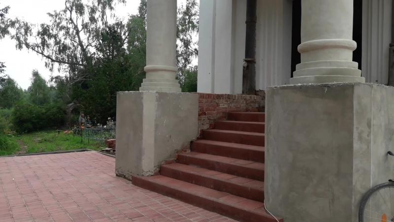 Первая служба в восстановленном Храме