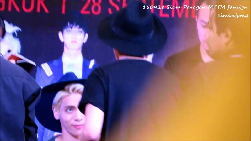 150928 Jonghyun and Vans encounter @ Siam Paragon Fansign