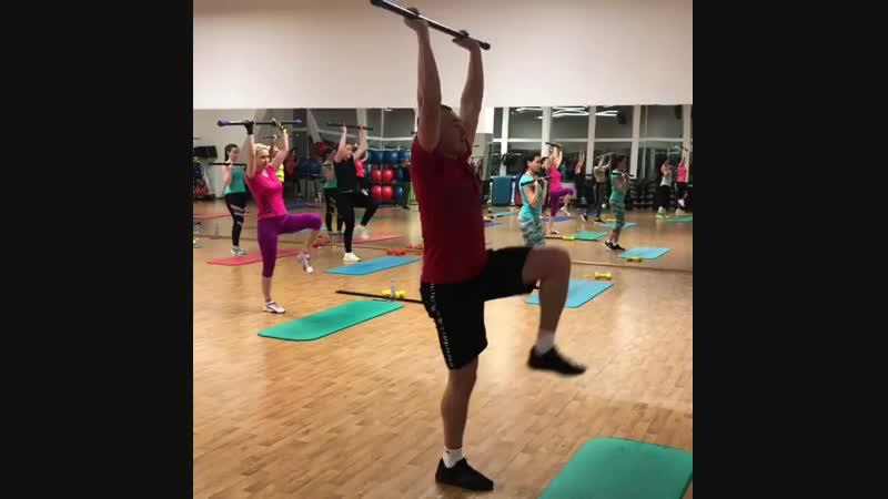 Прямо сейчас в Прайм Фитнес Октябрьский проходит энергичная силовая тренировка Body Condition, направленная на проработку всех