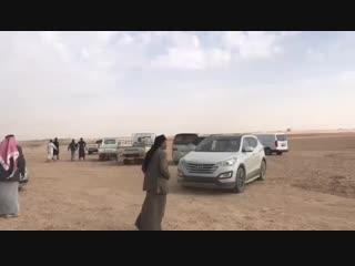 فيديو يوضح طرد الأهالي لقيادات عسكرية... - الرقة تذبح بصمت