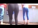 Попки школьниц одноклассниц в лосинах джинсах колготках