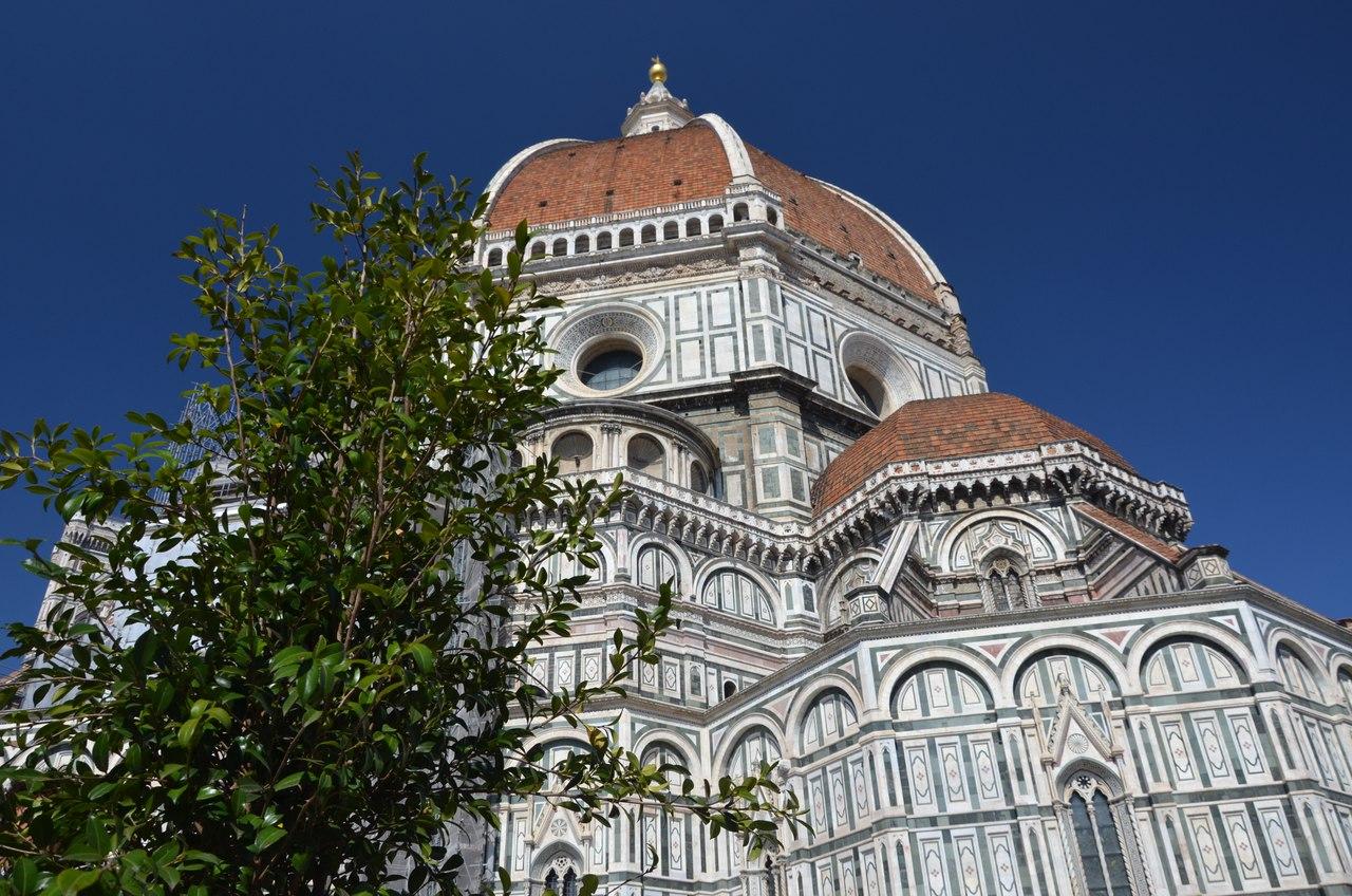 2CfMM9gcvrI Кафедральный собор Санта-Мария-дель-Фьоре (La Cattedrale di Santa Maria del Fiore).