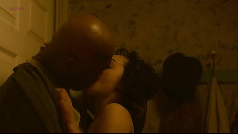 Рут Негга (Ruth Negga) голая в фильме «Самаритянин» (2011)