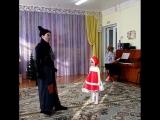 Скромная Красная Шапочка и волк, похожий на мышь)