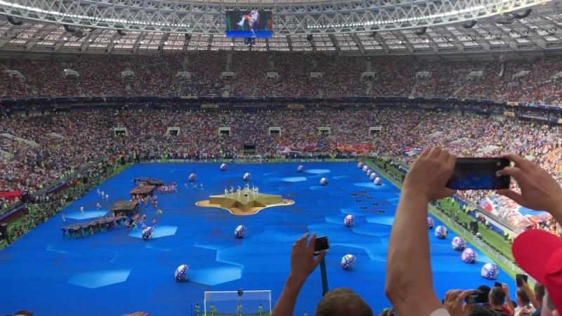 Церемония закрытия кубка мира.