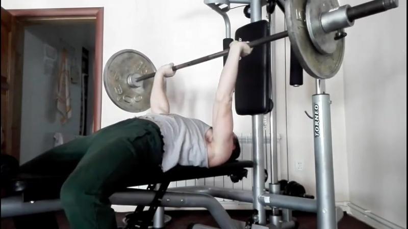 Никита Августов жим лежа своего веса 65 кг на 49 раз