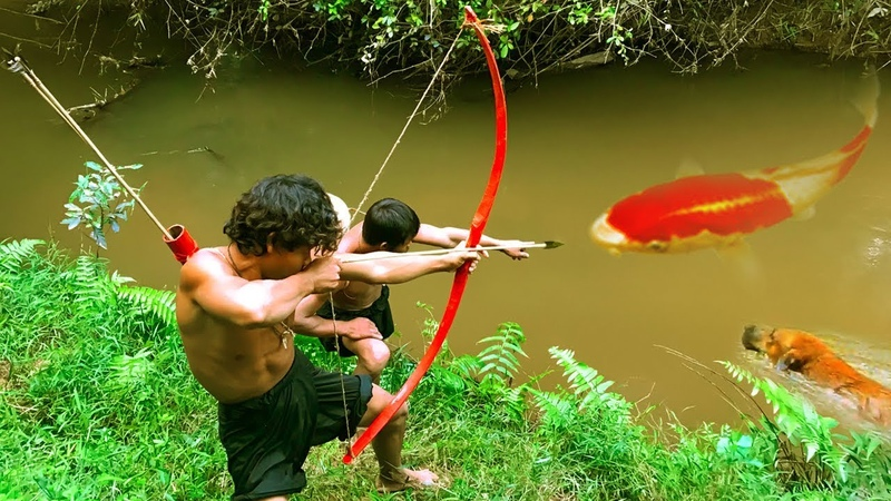 Primitive Technology Amazing BowFishing In The River