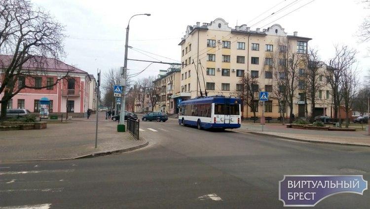 Из-за ДТП на К.Маркса остановилось движение троллейбусов