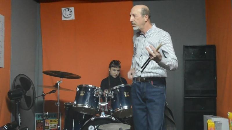 5.04.2015, мастер-класс по игре на барабанах от Юрия Бобрушкина на California Mu(2)