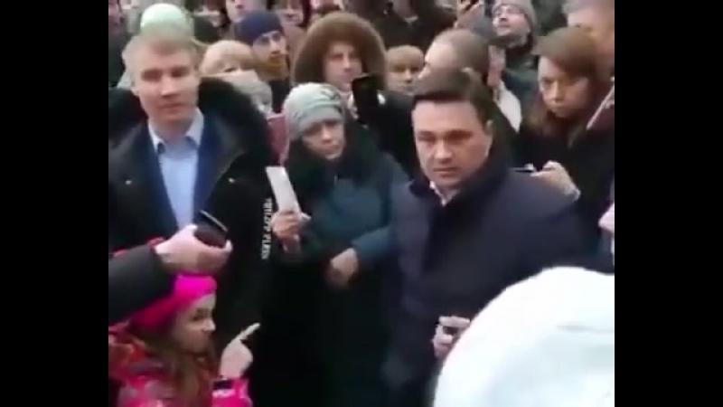 девочка и губернатор Воробьев