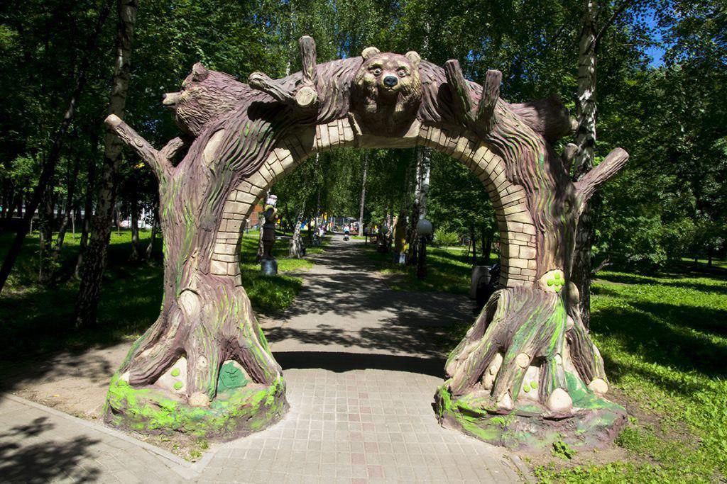 Фотоконкурс к юбилею Аллеи сказок продолжается в Лианозове