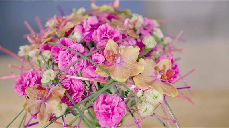 Dianthus frame bouquet | Flower Factor tutorial | Powered by Trendy Dianthus