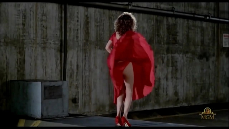 Chris de Burgh _ Lady in Red (Kelly Lebrock) Marilyn Monroe style. ↓ Lyrics ↓ [HD]