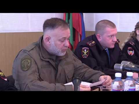 Игорь Мельников провел прием граждан в Дебальцево