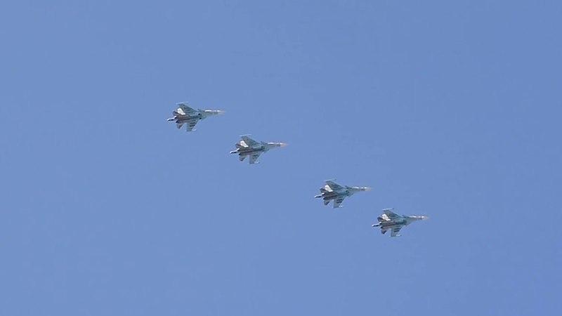 Су-34 и миг-31 над Боровичами (репетиция парада в СПБ)