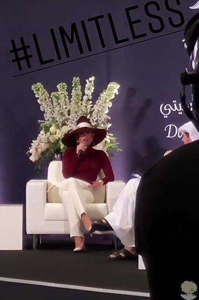 В конце этой недели город Доха ждал 49-летнюю Дженнифер Лопес. Певица стала гостьей мероприятия Doha Festival City, прошедшего в столице Катара. Участники гала-вечера отметили расширение торгового пространства на карте города ужином и концертом с участием