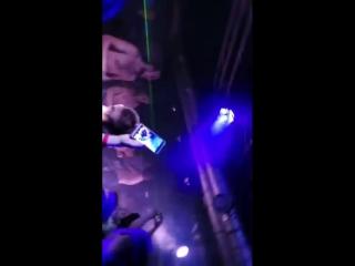 Ангина в Genesis night club