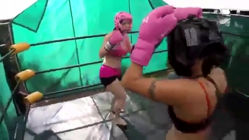 Nicole Oring kicks her ass