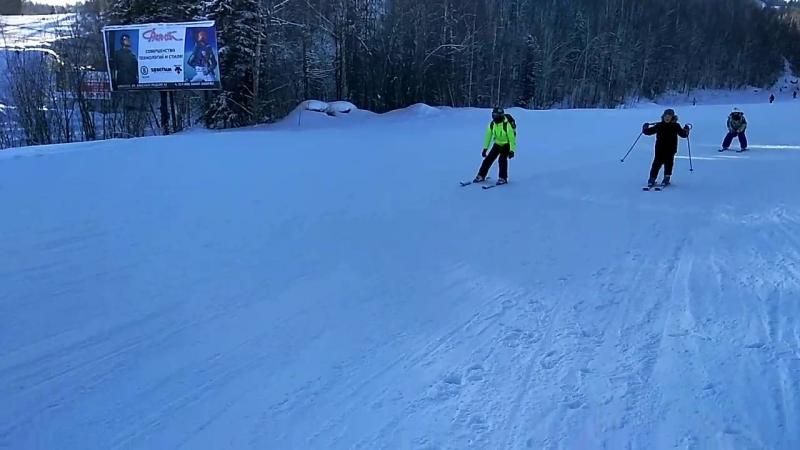 Соболиная гора) Сава первый раз встал на лыжи)