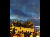 Люди провалились в грузовик на Алых парусах. Автор ролика: https://vk.com/makson69
