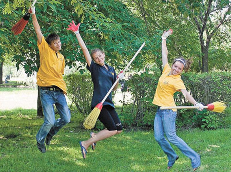 В КЧР более 900 школьников трудоустроят во время каникул