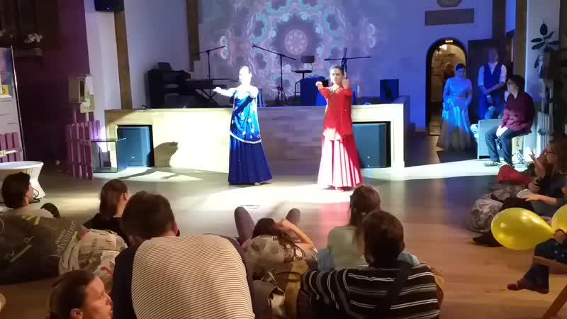 индийский классический танец катхак танцует Апсара смотреть онлайн без регистрации