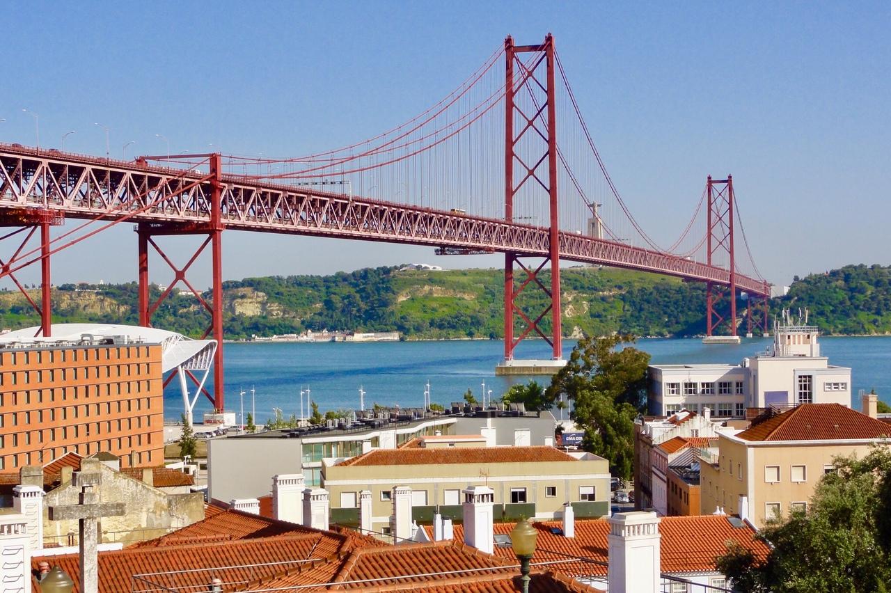 с какого места фотографировать мост в лиссабоне фоторобот
