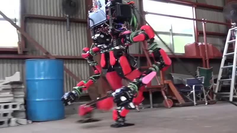 Робот SCHAFT на DARPA Robotics Challenge