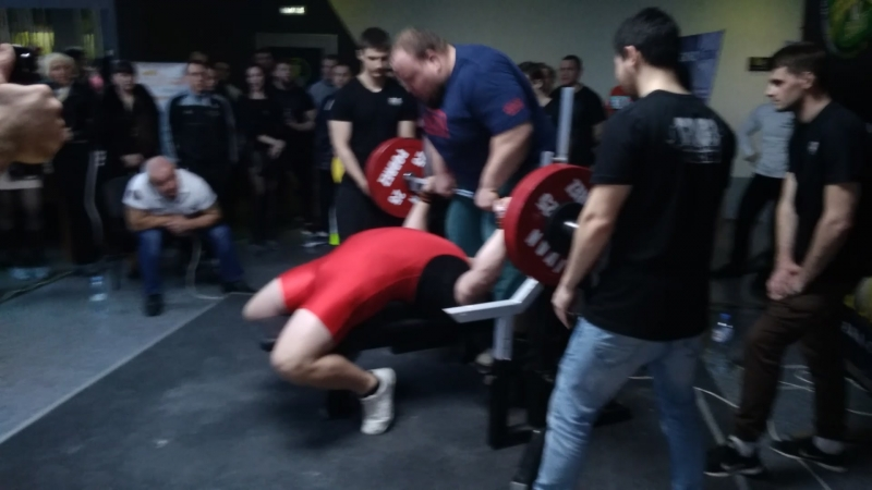 Хайтович Н. 18 лет Жим-лёжа 230кг