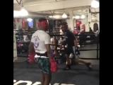 Тот момент в боксе, когда нельзя отходить по прямой назад.