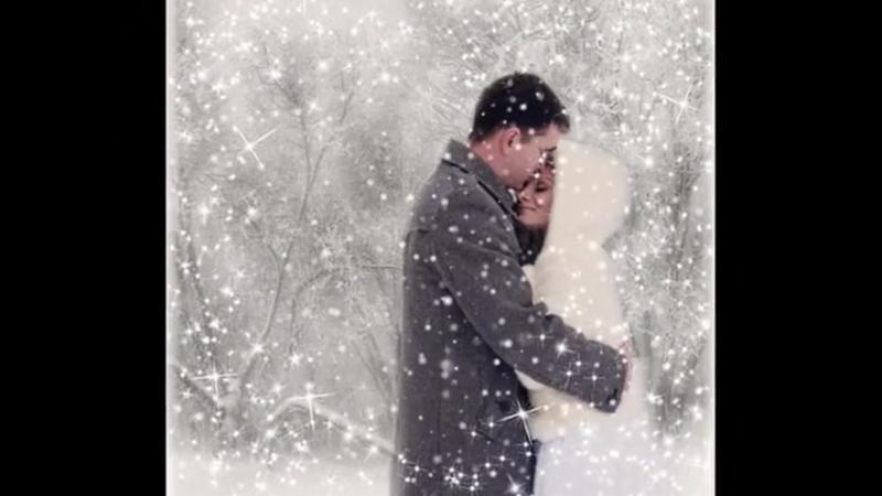 Снег кружится летает, летает...