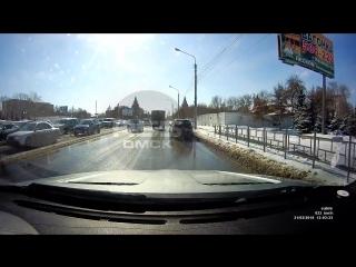 Боковой контакт на Жукова, Омск