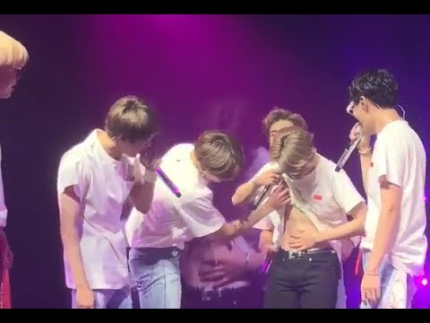 BTS Reaction was Hilarious when Jungkook LIFTED UP Jimin's SHIRT and ARMYs Blessed with ABS ~~ 😍😍😍
