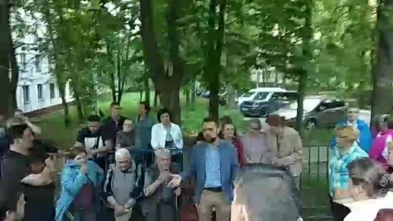Митинг у дома Севастопольский 77 о реновации