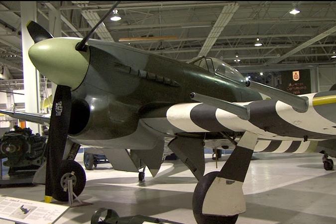 Hawker Typhoon 1B Awesome Sound