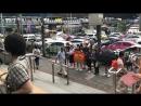 Вот, дети в Бангкоке против Америки пикетируют