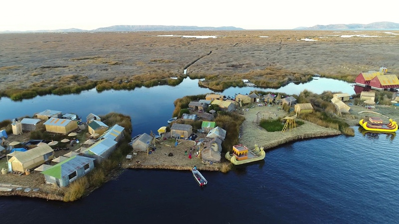 Titicaca lake - Uros floating islands - 4K