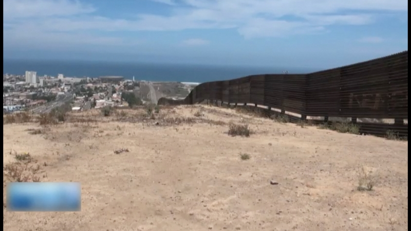 Под видом безопасности США закрывает границы для мигрантов. Как вышло так, что страна переселенцев стала ненавидеть переселенцев