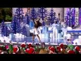 Ariana Grande - Focus (Live at the Disney Christmas Parade 2015) HD.mp4