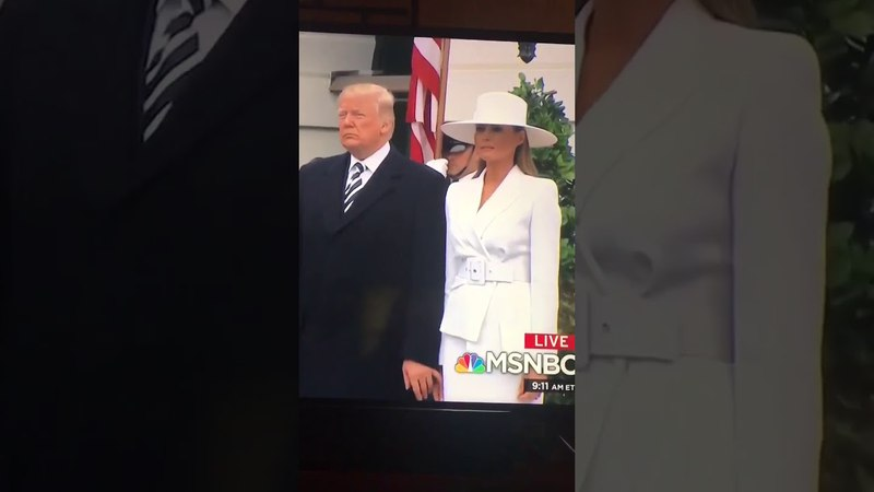 Lol: Donald Trump's Attempt To Hold Melania's Hand Is Sad!