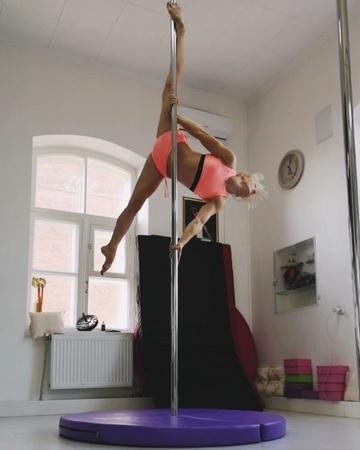 Anna Antonova pole sport on Instagram АннаАнтонова 👉@airdream polechampionship2018 👉@abstractpolewear 👉@antonovapolesportstudio HannaAntonova