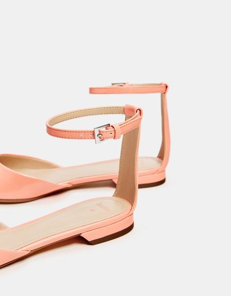 Туфли с ремешком на щиколотке, на низком каблуке