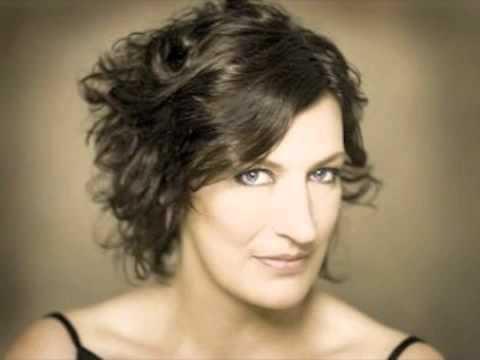 Sarah Connolly sings: