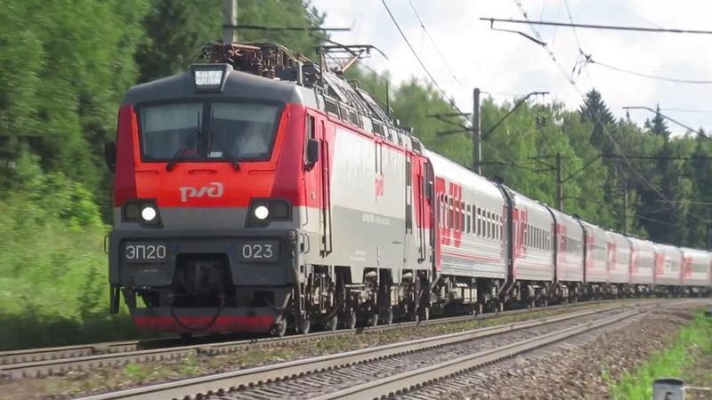 Электровоз ЭП20-023 с поездом №740А Брянск - Москва перегон Обнинское-Балабаново 11.07.2018