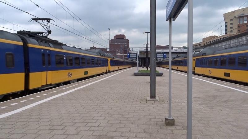 ICM naar Schiphol Airport vertrekt gelijk met ICM naar Woerden vanaf Station Amersfoort!