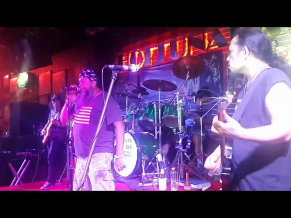 Metallica Enter Sandman. Cover. Oleg Markushev. Hottuna bar. Pattaya. 13.01.2017.