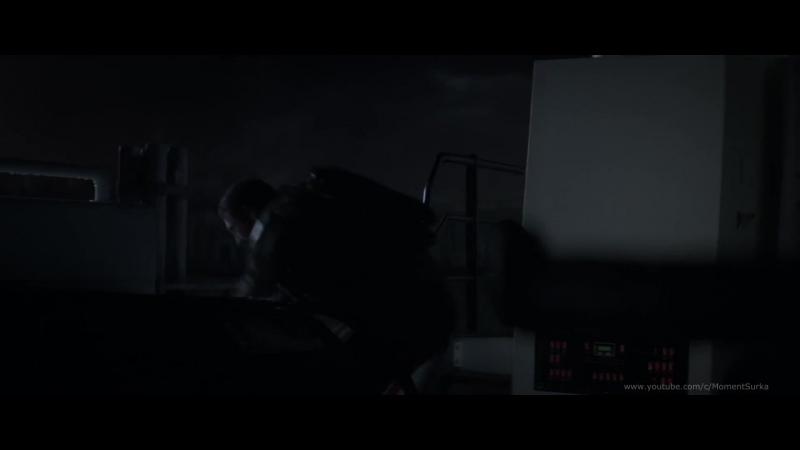 Годзилла убивает самку ГННУСа.Эпизод фильма «Годзилла» (Godzilla от яп. ゴジラ)